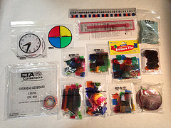 GR1 ETA-CUISENAIRE OVERHEAD MANIPULATIVE KITS FIRST GRADE KIT 40041