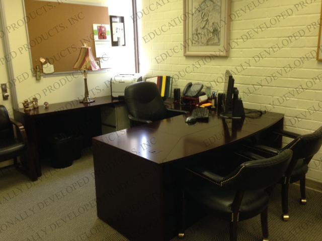 Parent Community Services - Executive Desk